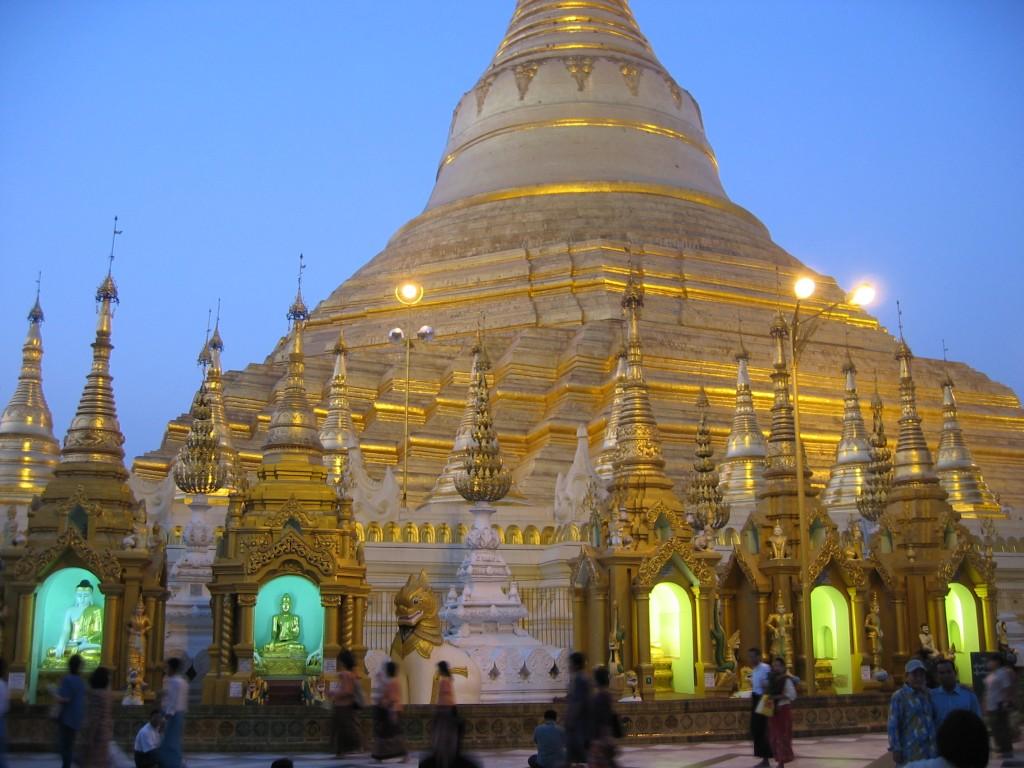 sb2004-273-shwedagon dusk