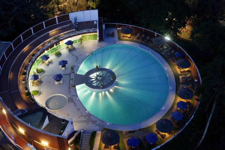 1-sheraton-kampala-pool-750