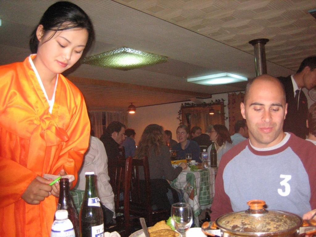 dprk-1611-B-boat restaurant