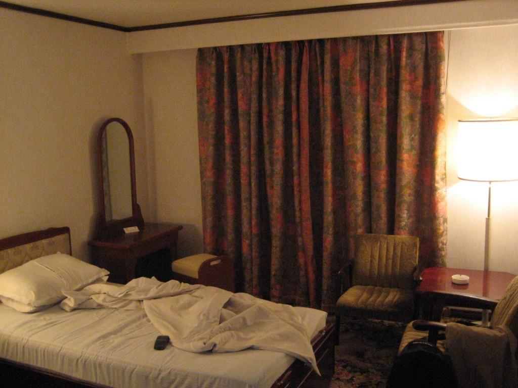 dprk-1639-B-hotel room