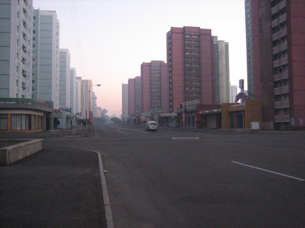 dprk-1685-B-empty streets